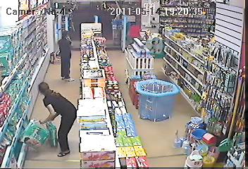 六女子进店偷走14包纸尿裤